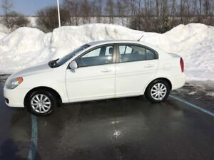 2008 Hyundai Accent GL-LIKE NEW!!!!