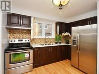 Fully Upgraded best LOCATION Walk to SUBWAY and Fairview Mall