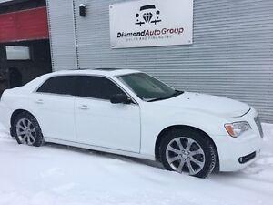 2013 Chrysler 300-Series FULLY LOADED HEMI ENGINE