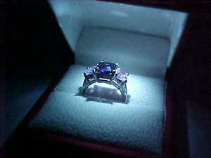 A REAL EYE CATCHER-STUNNING RING BOX WITH ITS OWN LIGHT