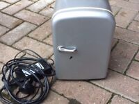 MINI FRIDGE / COOLER CAN HOLD 6 330ML CANS