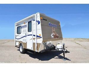 2012 Skyline Bobcat 131B 13' Expandable Travel Traile