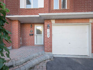 3 BED, 3 BATH MINTO MANHATTAN WITH NO REAR NEIGHBOURS!