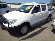 2010 Toyota Hilux KUN26R 09 Upgrade SR (4x4) White 4 Speed Automatic Dual Cab Pick-up Sandgate Newcastle Area Preview
