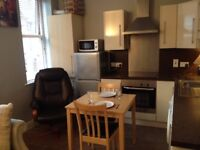 - 2 BED APARTMENT IN STRANMILLIS, BELFAST/ NO OTHER BILLS/SHORT TERM