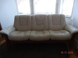 Large Cream Leather reclining sofa - Ekornes