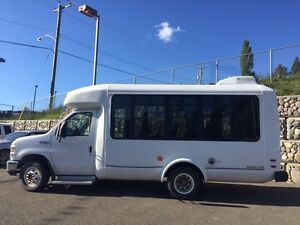 2008 Ford E-350 9 + passenger, mini bus Williams Lake Cariboo Area image 2