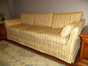REDUCED was $250 - MAKE AN OFFER!  Vintage Custom Sofa by Serta.