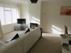 A one bedroom first floor maisonette furnished available 3rd August onwards in Copwood Close N12 9PR