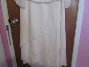 Beautiful wedding dress, size 20-22 1X