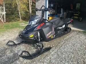 2016 Ski-Doo SUMMIT SP E-TECH T3