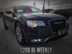 2017 Chrysler 300 Limited AWD (Leather/Nav)