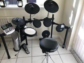 ALESIS DM8 drum kit with speakers