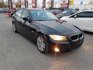 2011 BMW 3 Series 323i, AUTO, CUIR, TOIT, MAGS, A/C, CRUISE, 2.5