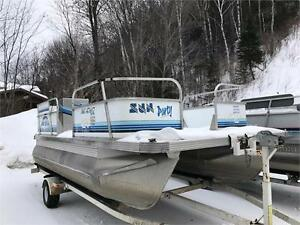 2005 18' SUN PARTY PONTOON 60HP EVINRUDE 4 STROKE EFI FUEL INJ.