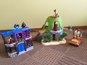 Ile de Jake le pirate Fisher price et Prison Gotham City Batman