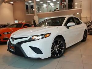 2018 Toyota Camry SE UPGRADE-SUNROOF-CAMERA-LOADED-ONLY 36KM