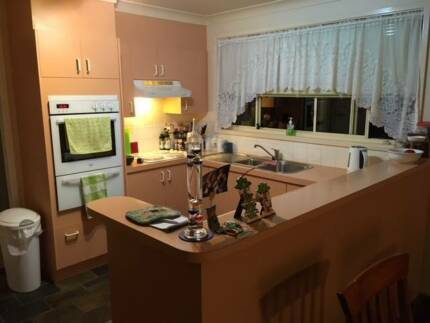 Whole Kitchen in excellent condition