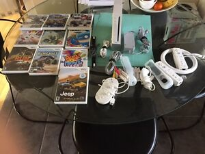 Wii system with lots of Access and 10 games
