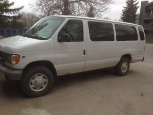 2002 Ford E-350 Minivan, Van