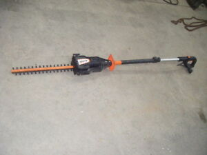 Flexible hedge trimmer