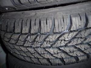 4 pneus d'hiver 205/60/16 Goodyear Ultra Grip Winter