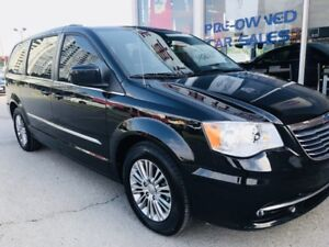 2015 Chrysler Town & Country Touring! LEATHER*LOW KM*LOADED