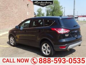 2014 Ford Escape AWD SE ECOBOOST Accident Free,  Back-up Cam,  B