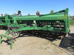 2004 John Deere 1590 Planter