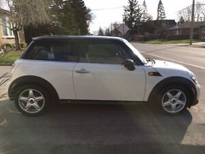 2013 MINI Mini Cooper Black Coupe (2 door)