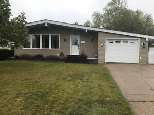 Large Bsmt Suite, Shared Kitchen & Laundry