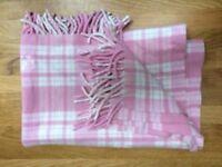100% Merino Lambswool baby blanket in pale pink/white, brand new, unused
