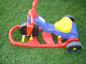 POUSSETTE/CHARIOT FISHER PRICE