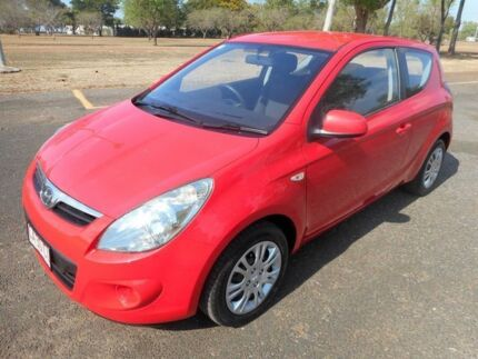 2011 Hyundai i20 PB MY12 Active Electric Red 5 Speed Manual Hatchback