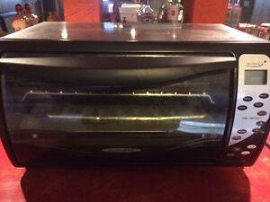 Black and Decker Toaster oven - very good condition