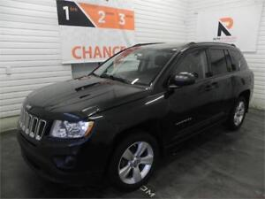 2011 Jeep Compass North Edition AWD, Toit ouvrant, Bluetooth