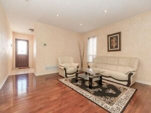 AMAZING 4+2Bedroom Detached House @BRAMPTON $799,900 ONLY
