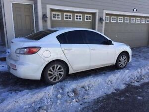 2012 Mazda3 6 Speed - Great Condition