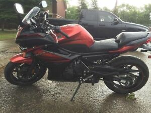 2011 Yamaha FZ6R LOW KM For Sale/Trade