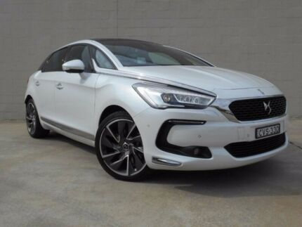 2015 Citroen DS5 60th Edition White 6 Speed Sports Automatic Hatchback