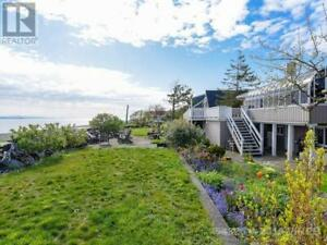 2445 ISLAND S HWY CAMPBELL RIVER, British Columbia