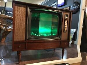 1960's Retrofit TV Fish Tank