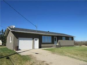 Well built & inviting home with new renovations in Shoal Lake!