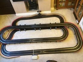 Scalextric Digital 3 Level Layout with 2 Lane Changers / Long Bridge / Pit Lane & Game & 4 Cars