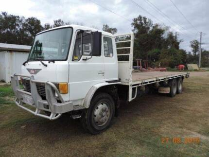 Hino lazy axle Tray back Truck Brendale Pine Rivers Area Preview