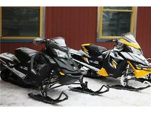 2016,1200X DEMO BEAUTIFUL SLED READY FOR WINTER COME HAVE A LOOK Peterborough Peterborough Area image 1