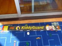 Kiddyguard retractable safety stair gate
