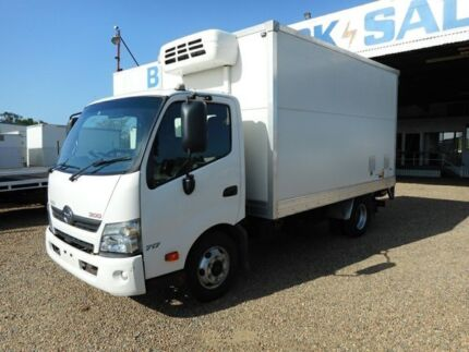2011 Hino Dutro 717 White Refrigerated 4.0l 4x2 Rocklea Brisbane South West Preview