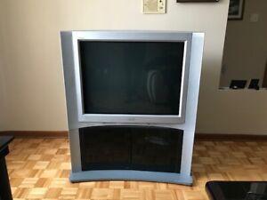 "Sony TV 36"" avec base / stand - (Free / Gratuit)"