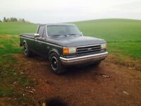 1990 Ford F-250 Pickup Truck